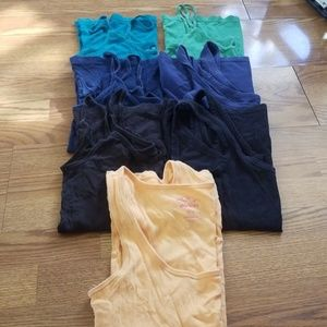 7 Medium GUC Old Navy Tank Tops